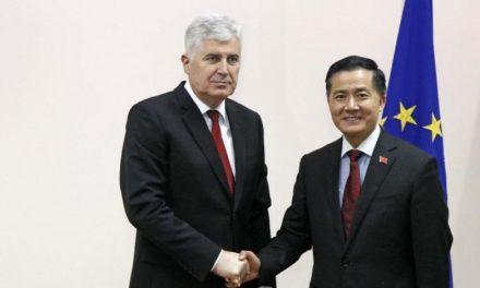Kina će Bosni i Hercegovini donirati respiratore i maske
