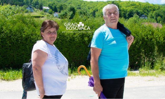 Supružnici Katica i Vinko Vidović 50 godina braka proslavljaju hodočašćem sv. Anti u Busovaču