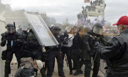 WASHINGTON: Četvero mrtvih u neredima, 52 uhićena
