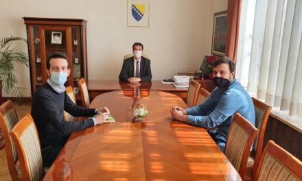 Predsjednik Federacije BiH Marinko Čavara razgovarao s predstavnicima Vijeća mladih Federacije BiH