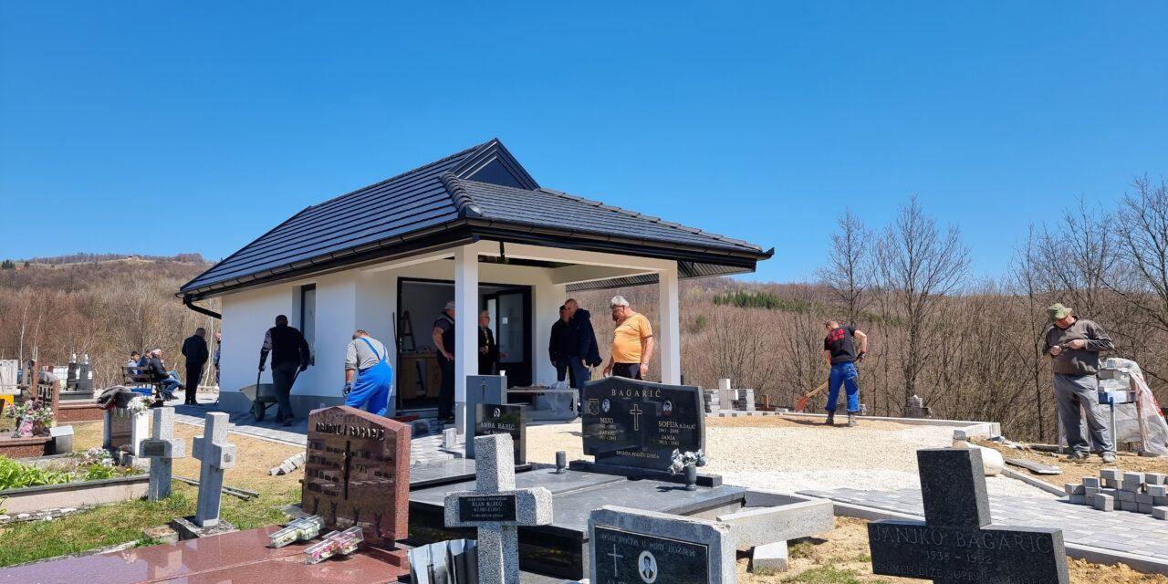 Rauševac: Završni radovi izgradnje kapele i uređenja groblja Kosnice
