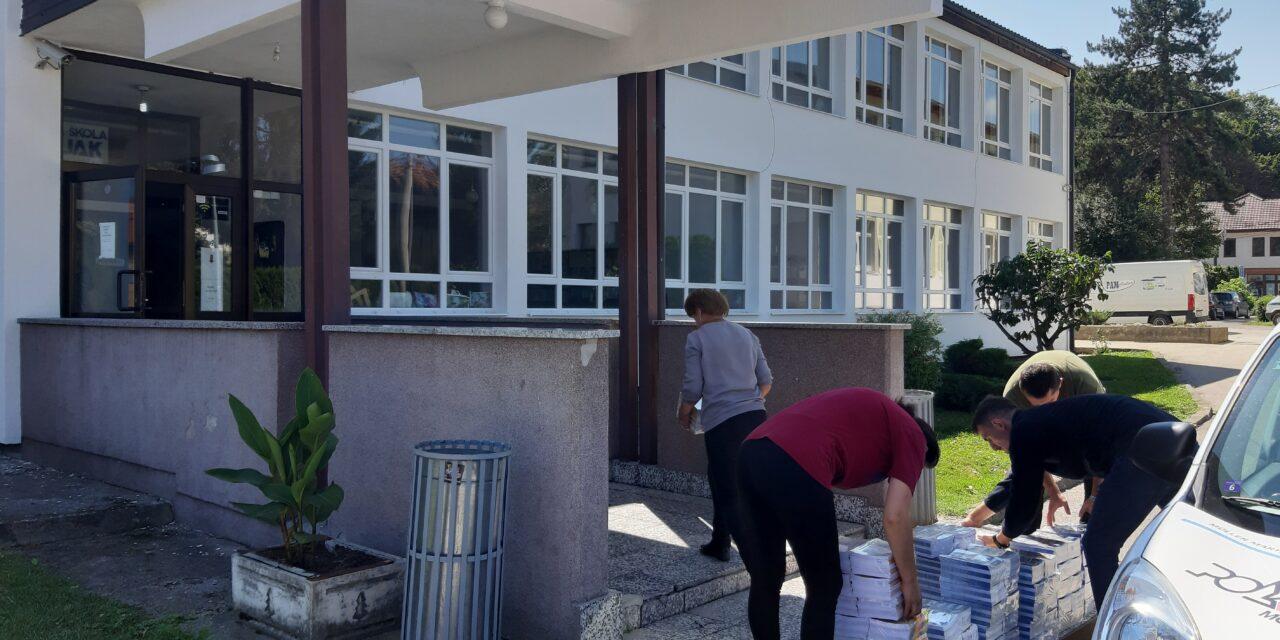 Kiseljački poduzetnici donirali 10.000 bilježnica za sve učenike osnovnih škola sa područja općine Kiseljak