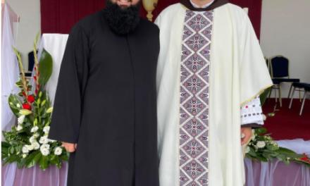 Lijepa priča iz BiH: Imam došao na mladu misu svećeniku u Rami