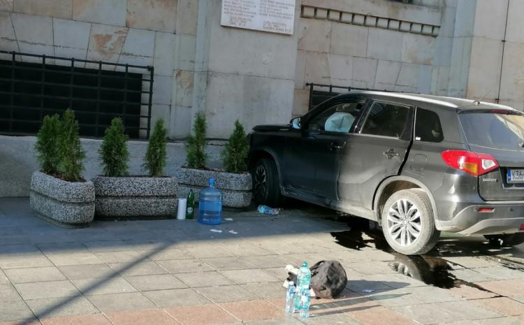 Oglasio se MUP KS o teškoj nesreći u centru Sarajeva: Jedan pješak životno ugrožen