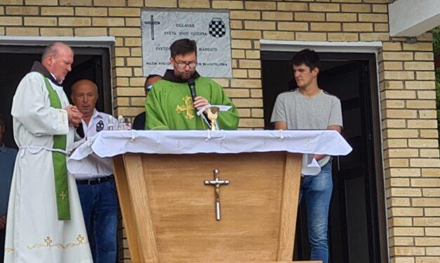 """U Oglavku blagoslovljena obnovljena kapelica """"Sv. Leopolda Bogdana Mandića"""""""