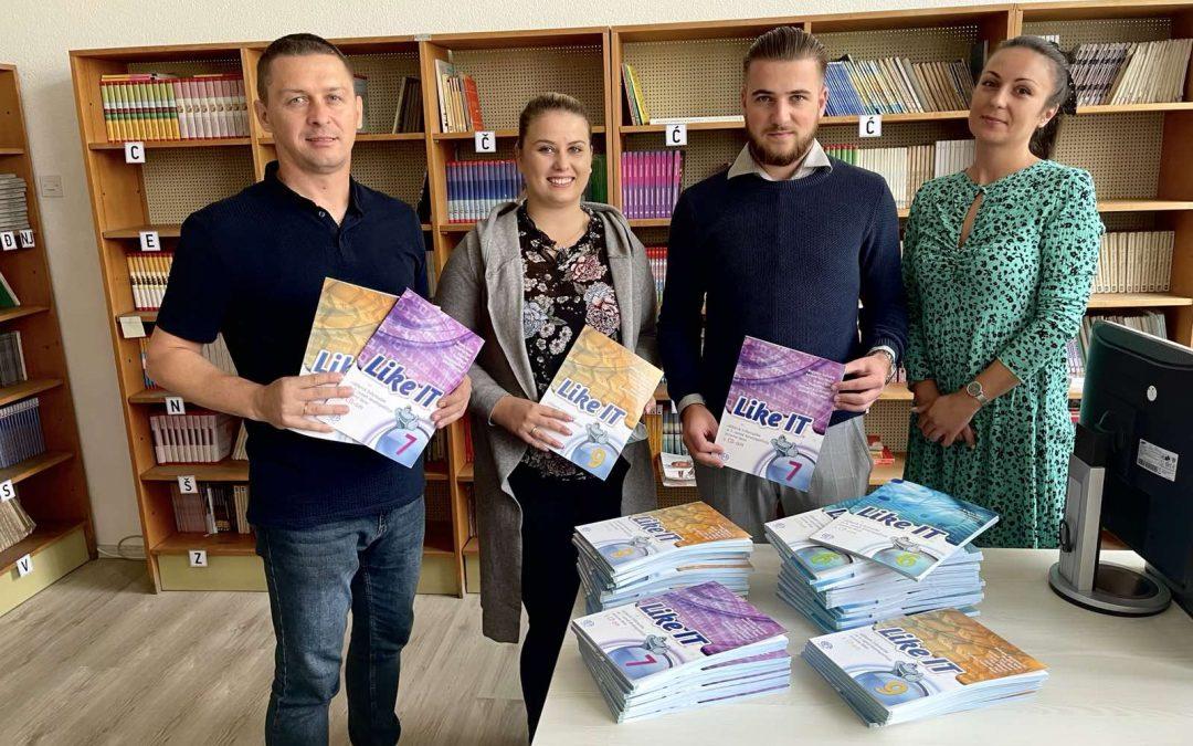 Donacija  udžbenika informatike za Osnovnu školu Gromiljak