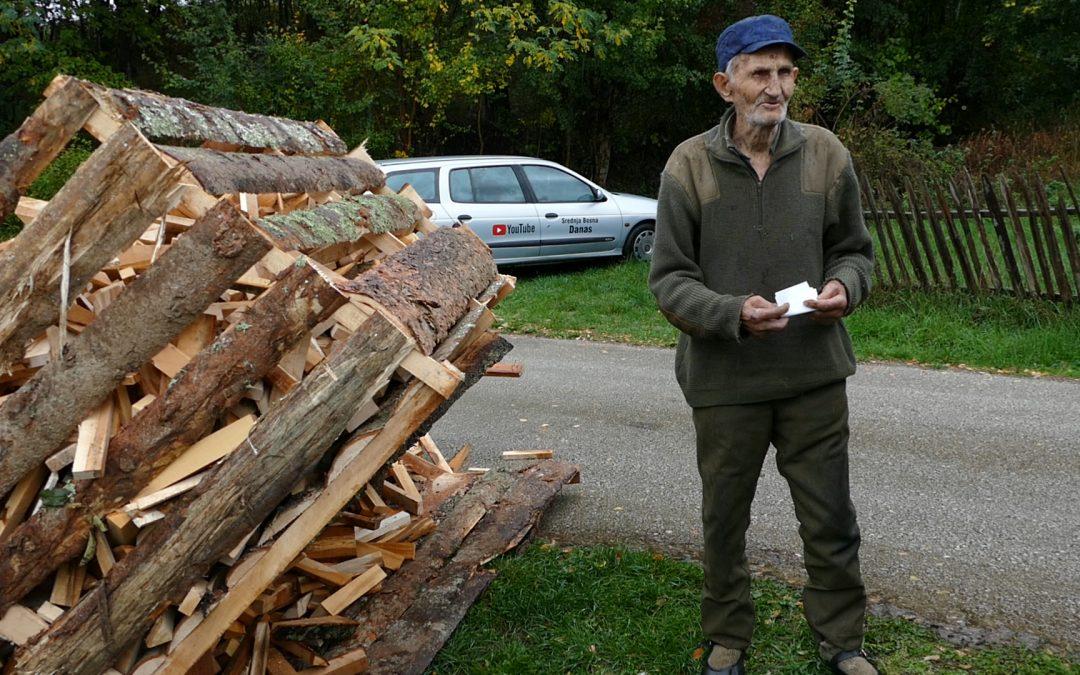 Video: 92-godišnji dedo Huso danas dobio drva od dobrih ljudi