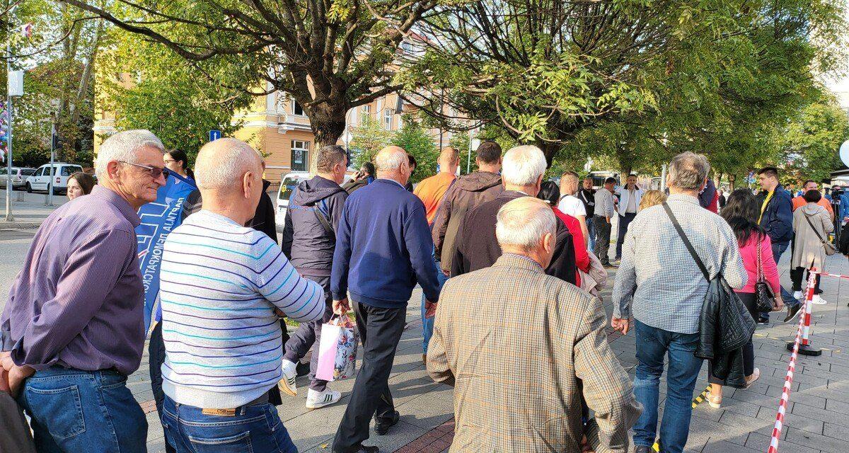 Uživo / Opozicijski prosvjed u Banjoj Luci: Okupljaju se građani na ulicama najvećeg krajiškog grada