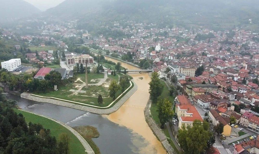 Nimalo lijepi prizori na ušću rijeke Fojnice u Bosnu u centru Visokog