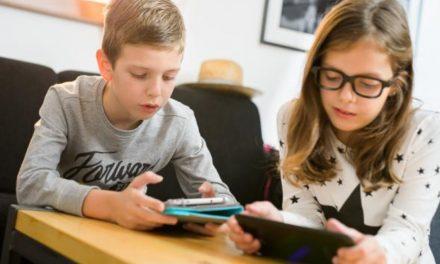 """Predavanje """"Zaštita djece i mladih u digitalnom svijetu"""""""